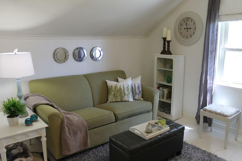 Guest sitting room with sofa bed can accommodate extra guests