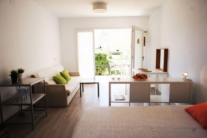 Loft acogedor junto al mar - Calafell - Apartment