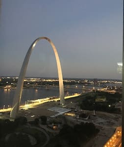 Penthouse Downtown St. Louis Best View in the City - Apartment
