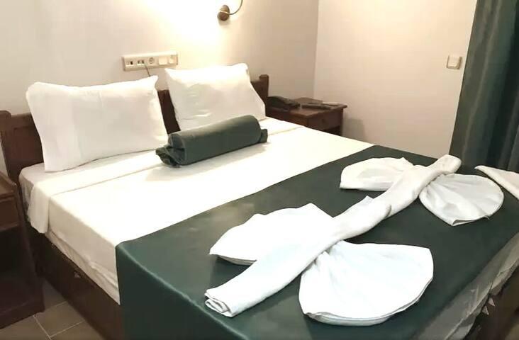 Kuşadası Merkezde Uygun Temiz Butik Hotel