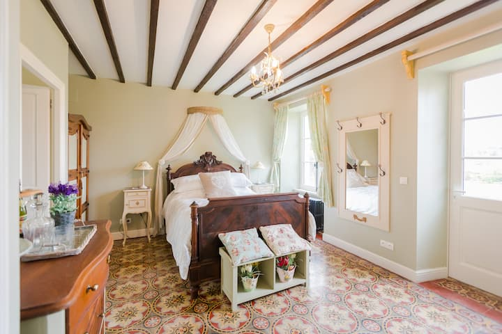 The Old Farm of Amfreville Bed & Breakfast