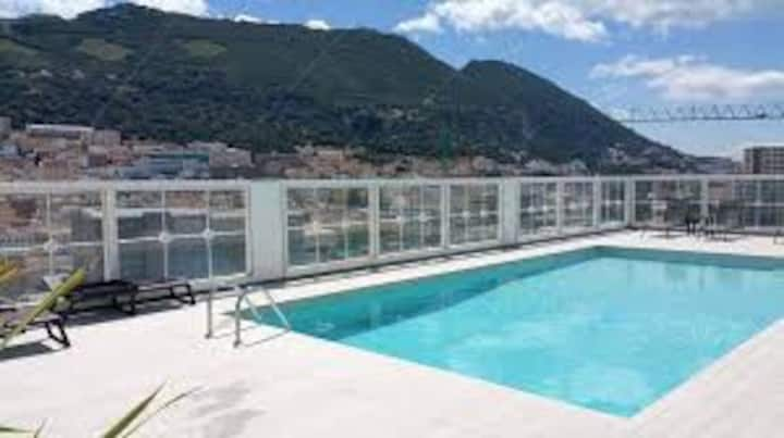 Gibraltar 1 Bed, Roof Top Pool in finance district