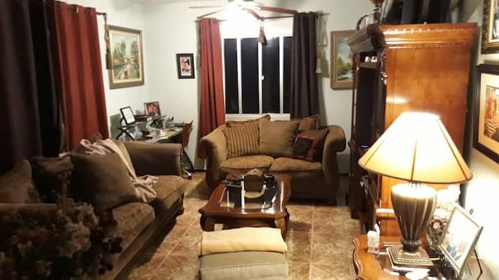 Casa ampla e confortável .