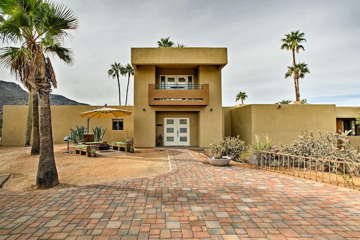 Carefree Casita w/Mtn View + Pool & Hot Tub Access