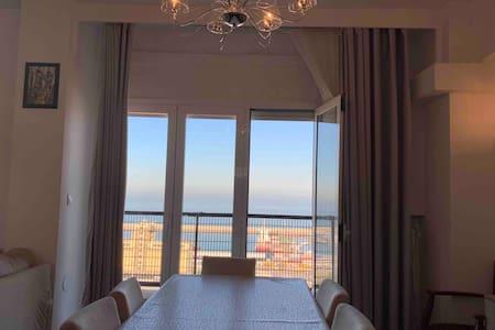 A louer Magnifique appartement vue sur mer à Oran