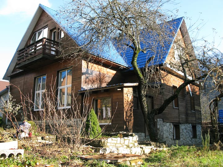 House  in  Krasnaya Polan(URL HIDDEN)