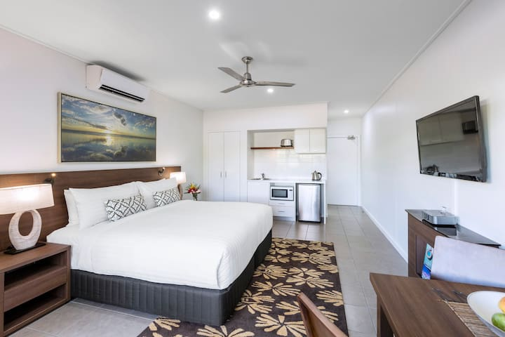 Modern Studio minutes from Cable Beach