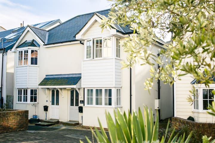 Boutique 2 bed cottage in Ventnor - Ventnor - Casa