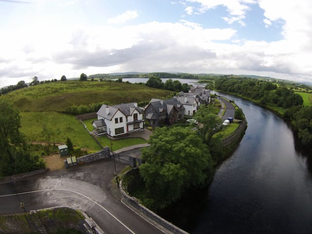 The Bridge house - Carrick-On-Shannon - Huis