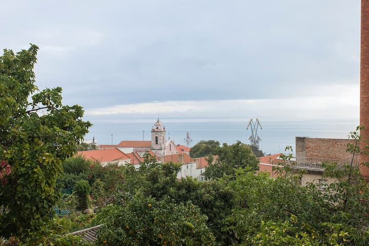 Flat with amazing View over the river Tagus - Lisboa