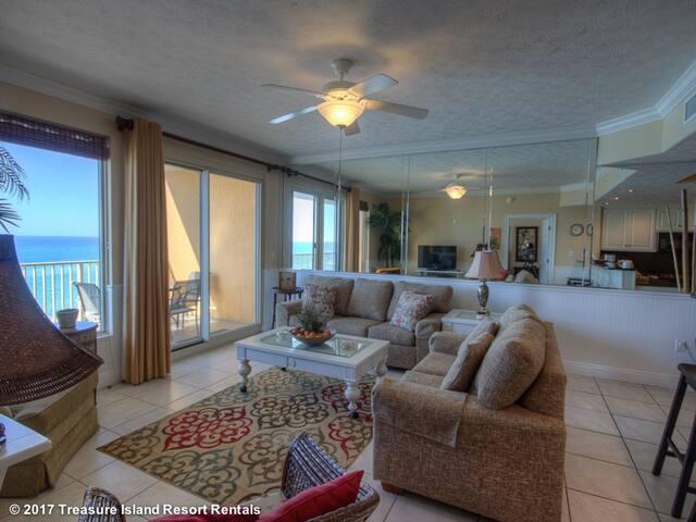 Luxury, Second Floor Condo - Treasure Island 202