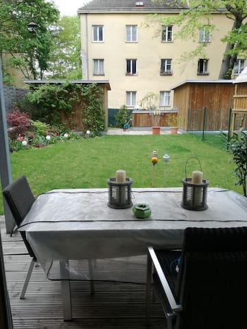 next to Gloriette / Lovely Hetzendorf / Own garden - Wien - Apartment