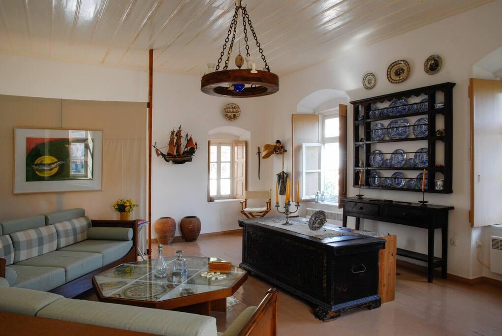 Upper level: the living room