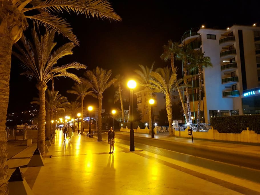 Bulevar by night