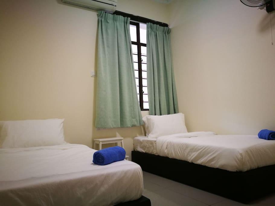 3rd Bedroom-2 single bed