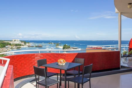 Sunny 2 Bedroom Penthouse by the Sea (120 sq. m)