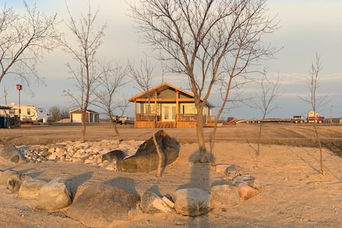 Brand new lakefront cottage with all the amenities