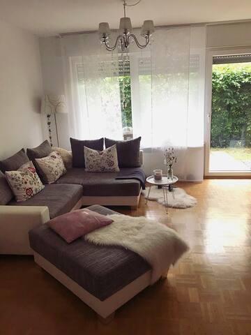 ** Cosy central apartment 15 min walk to city **