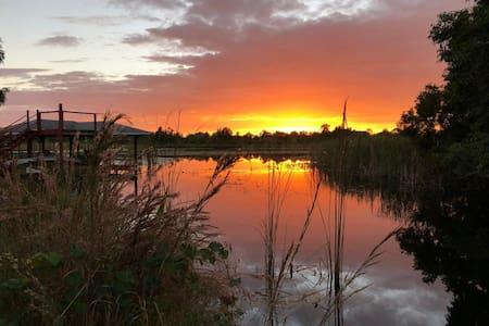 Lake Huntley Oasis - Pvt Dock - 1/2 Acre - Kayak