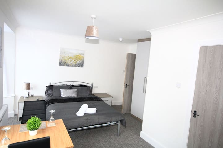 Ickenham House Suite