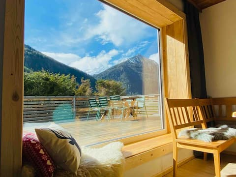Spacious Apartment Chalet Style with balcony -Alps