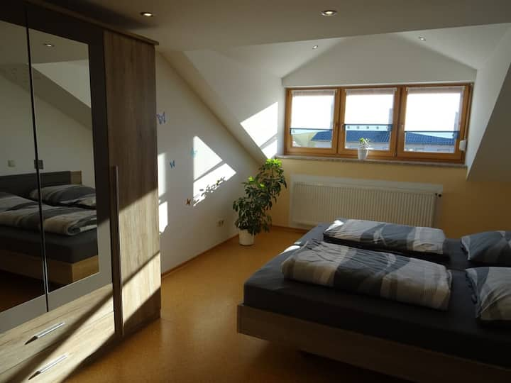 Ferienwohnung Hornauer (Roding), Ferienwohnung im Dachgeschoss
