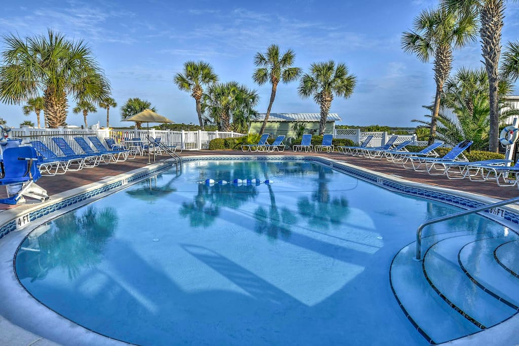 You'll love the waterfront location & community amenities, including this pool!