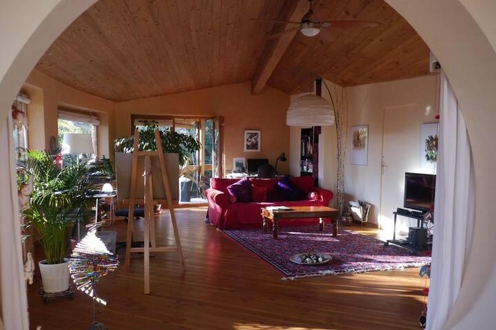 Belle maison d'architecte, très spacieuse et calme