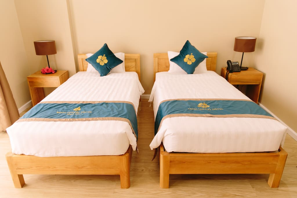 Deluxe Twin with Balcony - Minh Nhung Hotel