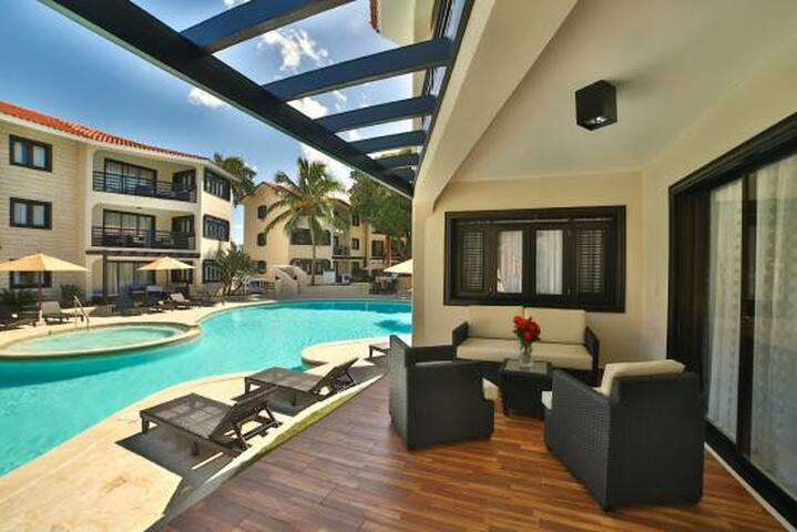 Luxury 1 Bedroom Royal Suite V.I.P.  All Inclusive