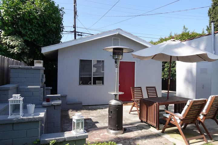 Single Family Guest House With Private Entrance