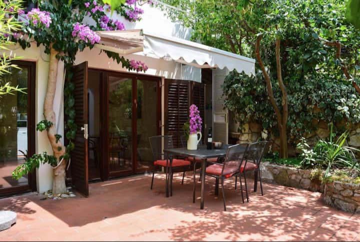 Romantic garden house - old town Hvar
