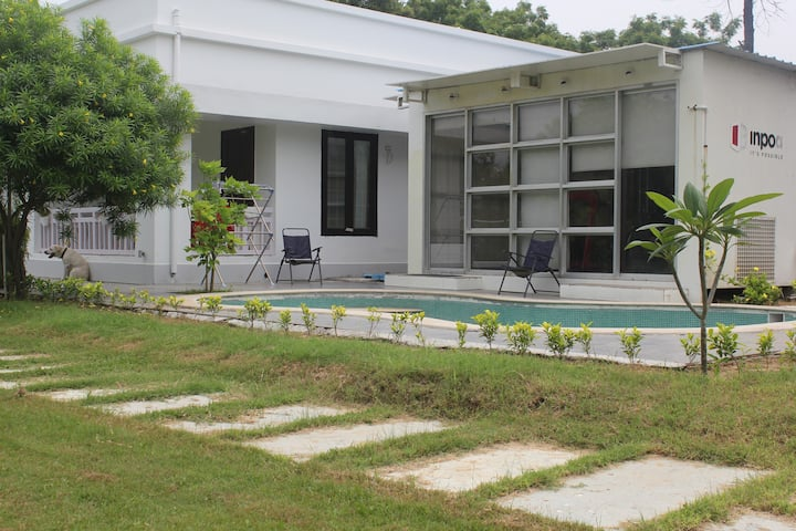 JASHN. Experience farmhouse+pool+bbq in Delhi!