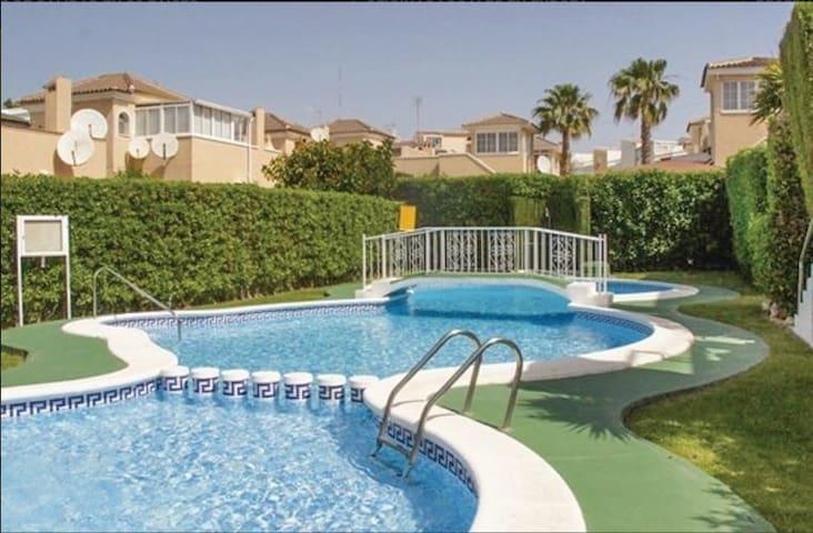 Apartamento con Jardín - Guardamar del Segura