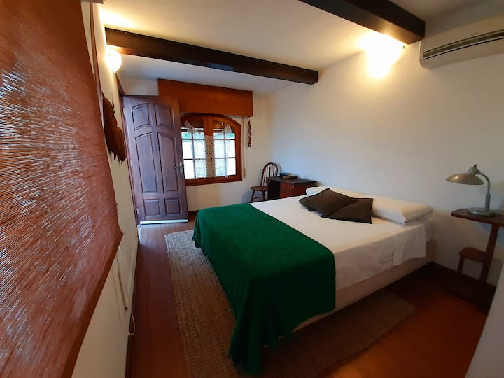 Casa Colibrí - Apartamento con baño privado.