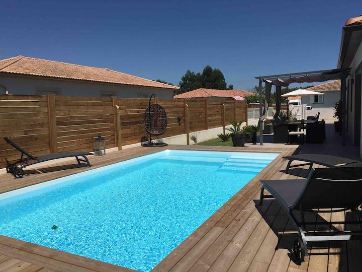 Grande villa avec piscine PMR