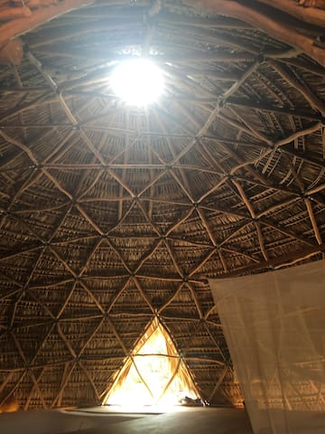 APA HOUSE, GEODESTIC DOME 5 MIN FROM THE BEACH