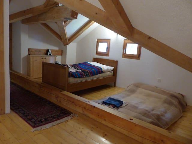 Vorraum der Schlafzimmer 3 mit Einzelbett und Fouton-Bett für 2 Personen (2.Stock)