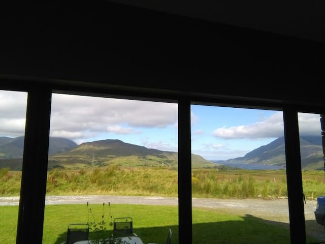 The Selkie Lodge - Connemara - Talo