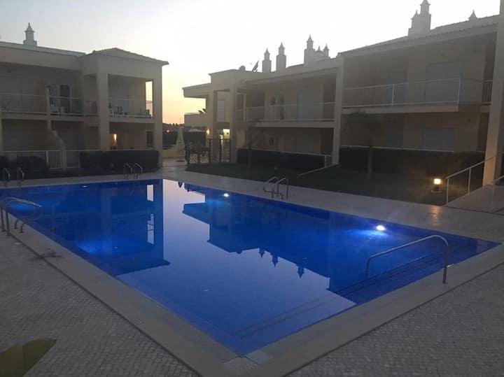 Excellent quiet house. Bedroom almost inside pool