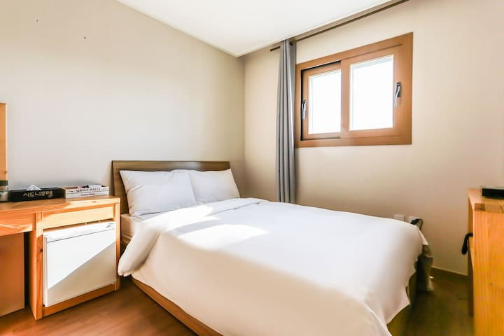 Mountain View /Double bed 1 room is provided.