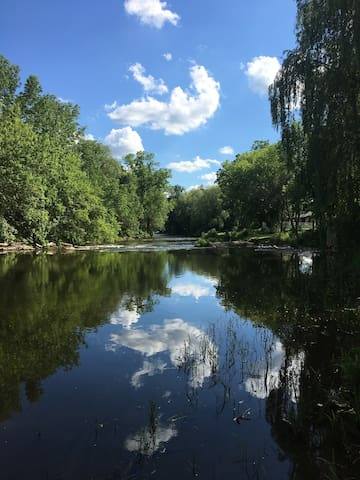 Cheltenham, ON - peace on the Credit River 2 acres