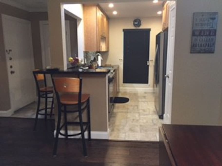 Kitchen / Bar