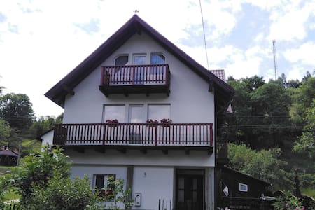 Eduard & Bella House