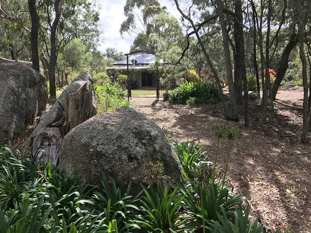 Bonsai Cottage, Cottonvale near Stanthorpe