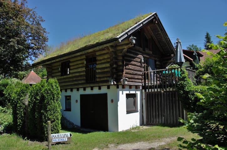Blockhaus mit Grasdach für Naturfreunde - Kanzach - Casa