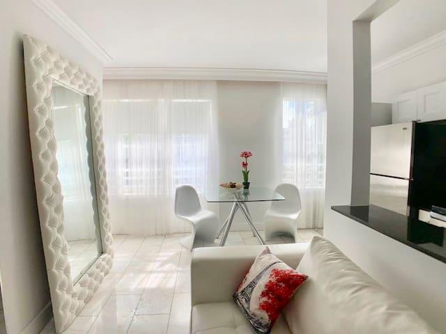"""""""Prime Apartment Located in SouthBeach Miami"""""""