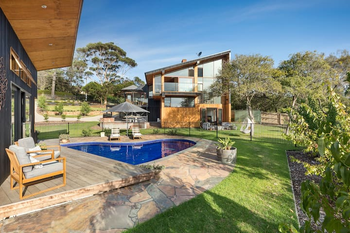 Glen Shian - Luxury holiday home with a pool