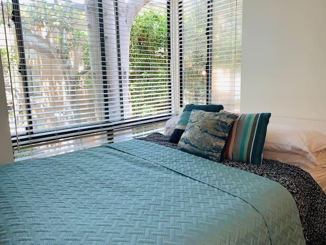 Private bedroom/bath in Marina Del Rey