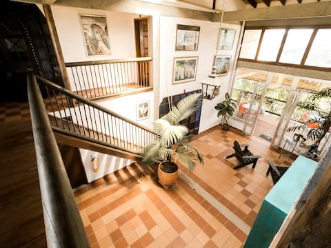 Habitación cama doble en casa campestre.